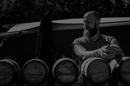 adult-alcohol-barrel-1370391-v2